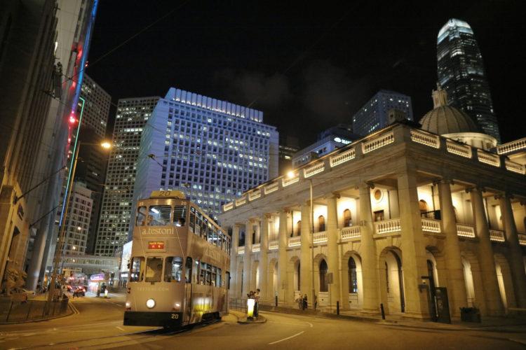 香港の町並みを走るトラムからイギリス文化の影響がわかる