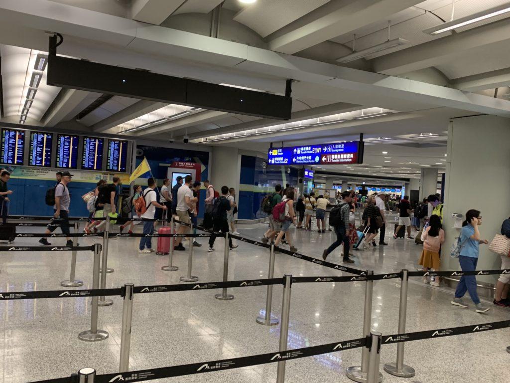 初めての香港でも安心!香港空港到着〜入国までの流れ