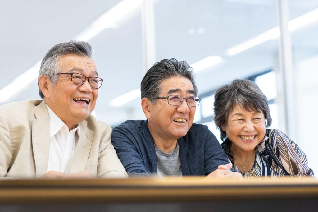 笑顔の高齢者たち
